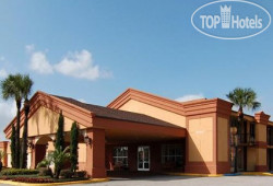 Econo Lodge Inn & Suites Near Florida Mall 3*