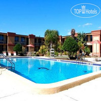 Фото отеля Econo Lodge Inn & Suites Near Florida Mall 3*