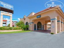 Фото отеля Travelodge Suites East Gate Orange 2*