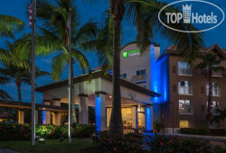 Holiday Inn Express Hotel & Suites Naples Downtown - 5th Avenue 4*