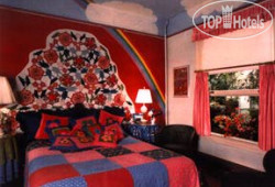Red Victorian Bed, Breakfast & Art 2*