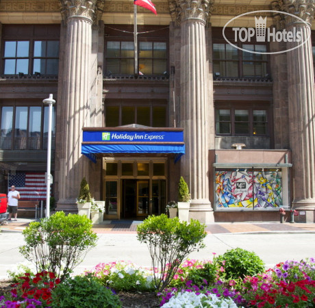 Holiday Inn Express Cleveland Downtown 2*