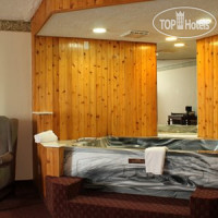 Фото отеля Quality Inn Akron 2*