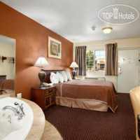 Фото отеля Travelodge Grove City / So. Columbus 2*