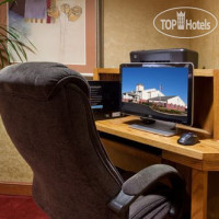 Фото отеля Holiday Inn Express Mt. Vernon 2*