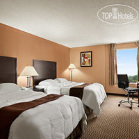 Фото отеля Days Inn & Suites Cincinnati 2*