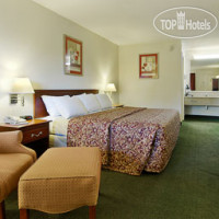 Фото отеля Days Inn Cleveland Airport South 2*