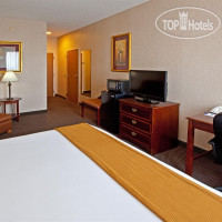 Фото отеля Holiday Inn Express Cincinnati-West Chester 2*