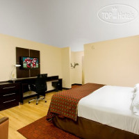 Фото отеля Red Roof Inn Columbus Downtown - Convention Center 3*