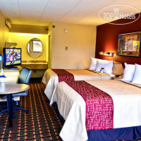 Фото отеля Red Roof Inn Cincinnati Northeast - Blue Ash 2*