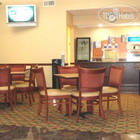 Фото отеля Red Roof Inn & Suites Columbus - West Broad 2*
