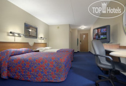 Red Roof Inn & Suites Cleveland - Elyria 2*