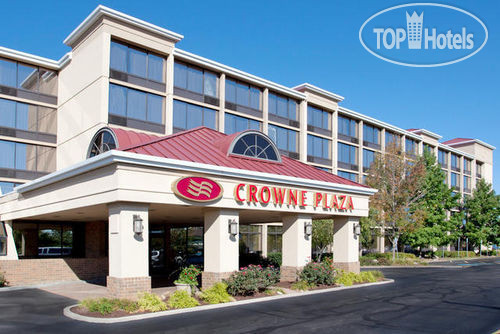 Crowne Plaza Cleveland Airport 4*