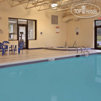 Фото отеля Days Inn And Suites Plattsburgh 2*