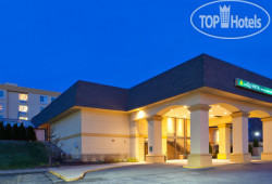 La Quinta Inn & Suites Elmsford 2*
