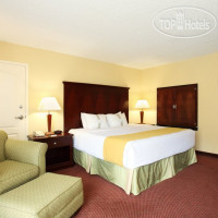 Фото отеля Holiday Inn Asheville - Biltmore West 3*