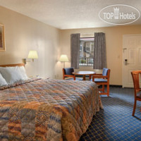 Фото отеля Days Inn Asheville North 2*
