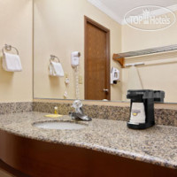 Фото отеля Days Inn Biltmore East 3*