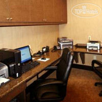 Фото отеля Hampton Inn & Suites Charlotte-Airport 3*