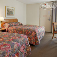 Фото отеля Ramada Greensboro 2*