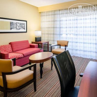 Фото отеля Courtyard Greensboro 3*