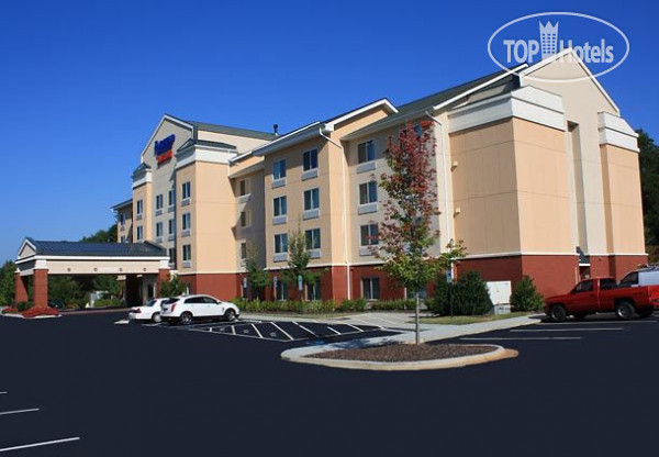 Fairfield Inn & Suites Greensboro Wendover 2*