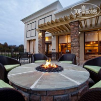 Фото отеля Holiday Inn Greensboro Airport 2*