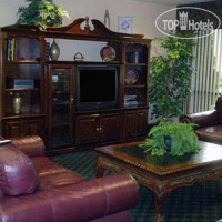 Фото отеля Econo Lodge Inn & Suites Charlotte 2*