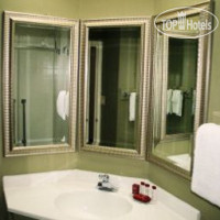Фото отеля Ramada Charlotte Airport Hotel & Conference Center 3*