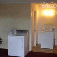 Фото отеля Red Carpet Inn Battleboro 2*