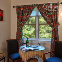 Фото отеля Hill House Bed & Breakfast Inn 3*
