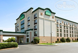 Wingate by Wyndham Greensboro 2*