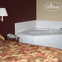 Фото отеля Midtown Inn and Suites Claxton 2*