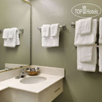 Фото отеля Travelodge Everett City Center 2*