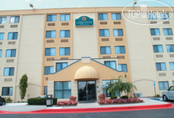 La Quinta Inn & Suites Baltimore North 2*