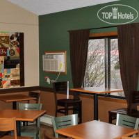 Фото отеля Asteria Inn & Suites (ex.Americinn Lodge & Suites) 2*