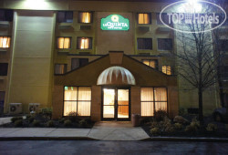 La Quinta Inn & Suites Salem 2*