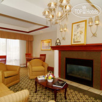 Фото отеля Holiday Inn Express Cedar Rapids (Collins Road) 2*