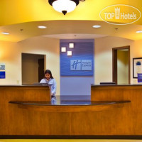 Фото отеля Holiday Inn Express Waterloo-Cedar Falls 2*