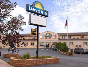Days Inn Custer 2*