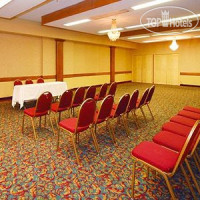 Фото отеля Econo Lodge Conference Center 2*