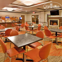 Фото отеля Holiday Inn Express Hotel & Suites Kansas City-Grandview 2*