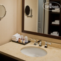 Фото отеля Sheraton Westport Lakeside Chalet 3*