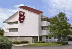 Red Roof Inn St. Louis Westport 2*