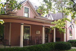 The Corner House Bed & Breakfast 3*