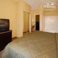 Фото отеля Comfort Inn & Suites Airport and Expo Louisville 2*