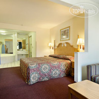 Фото отеля Days Inn & Suites Pine Bluff 2*