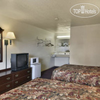 Фото отеля Travelodge Little Rock Airport 2*