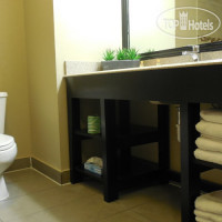Фото отеля Pine Bluff Inn & Suites 3*