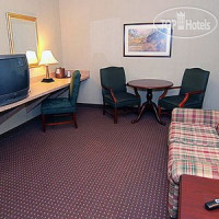 Фото отеля Quality Inn & Suites Skyways 2*